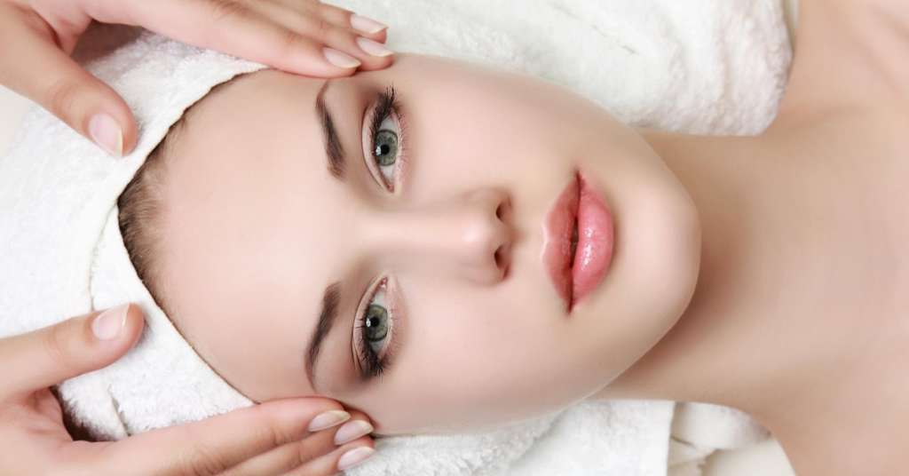 Incandescent's skin upscale skin treatments include microneedling, dermaplaning and customized facials.  We even have treatments on the go.